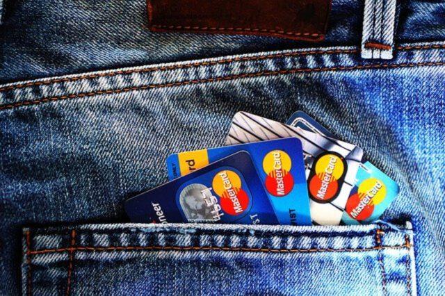 Jak korzystać z karty kredytowej?